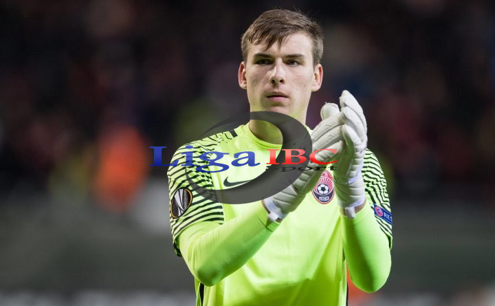 Real Madrid Merebut Kiper Muda Ukraina