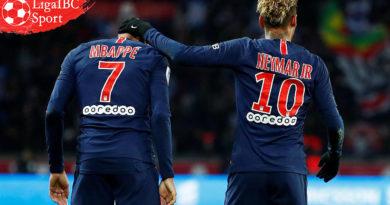 Paris Saint-Germain Meremehkan Manchester United